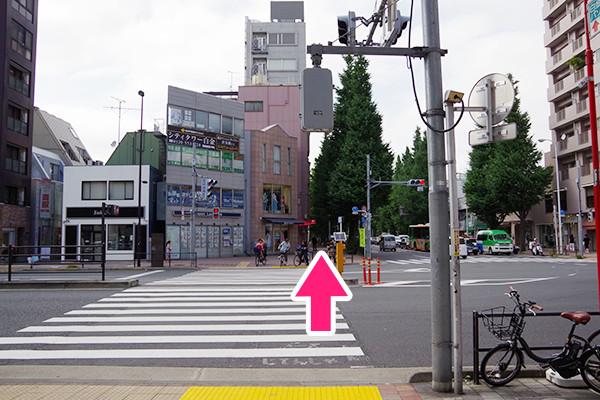 プラチナ通り横断歩道